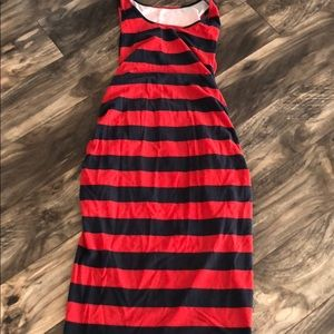 Red/navy maternity dress falls under knee